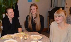 Camilla, Julia och Vilma på Seinans 30-årsfest!
